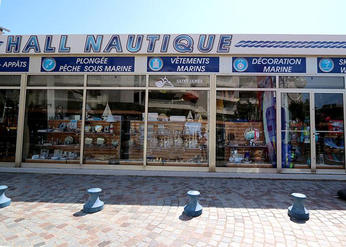 Boutique Hall Nautique, Spécialiste de la mer, 96 rue du port à Cavalaire