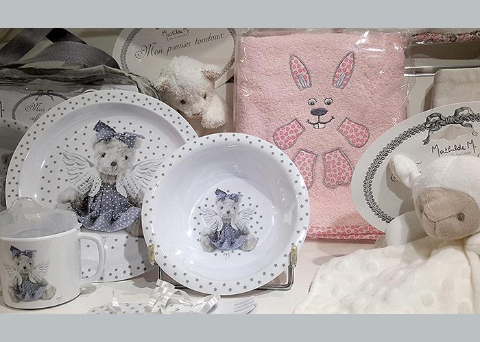 La belle image chouchoute aussi les bébés - Décorations, doudou, serviettes et vaisselle