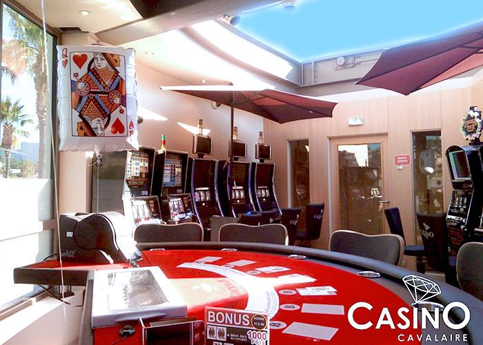 Machines à sous, Jeux Traditionnels, Salon de Poker, Restaurants, Spectacles