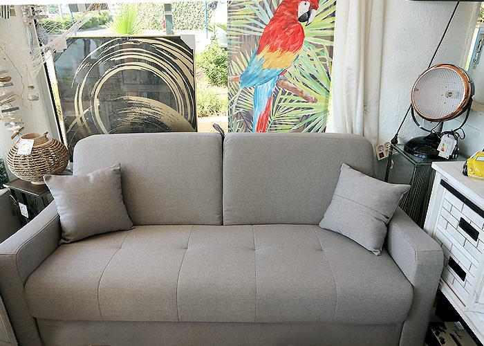 Canapé déco pour maison originale Aure & Création à Cavalaire
