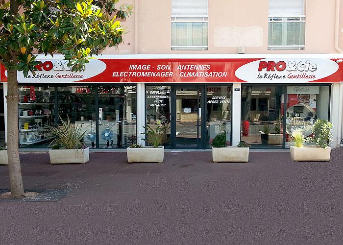 PRO&CIE Cavalaire - Image Son Multimedia Electroménager, entrée boutique