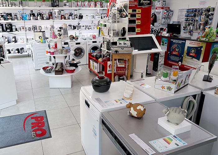 Pro et Cie Cavalaire - Plus de 1 000 magasins unis par La Charte Gentillesse...