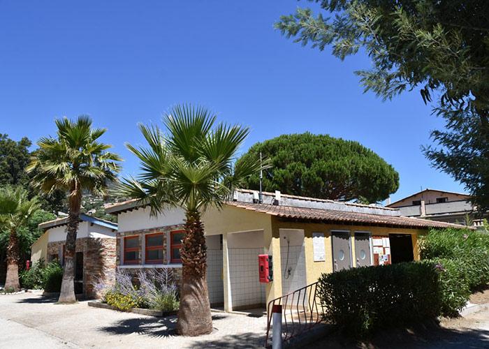 Au cœur du Golfe de Saint Tropez, entre la Corniche des Maures et l'Estérel, séjournez à Cavalaire  sur Mer