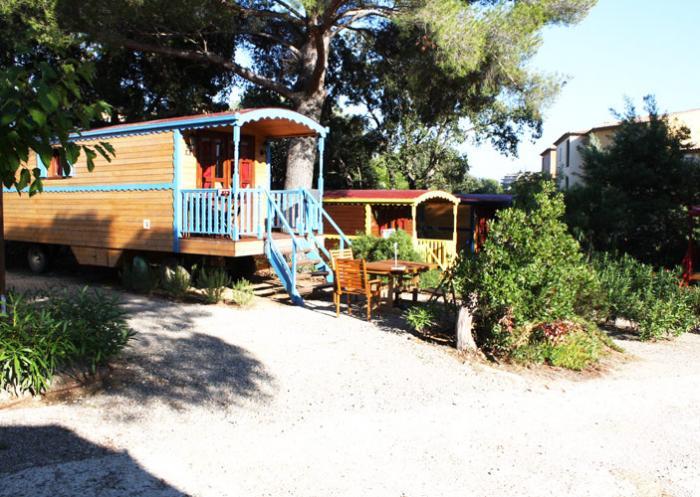 Roulotte à partir de 52 € la nuit, Photo : 2013/20014, Le camping La Treille****