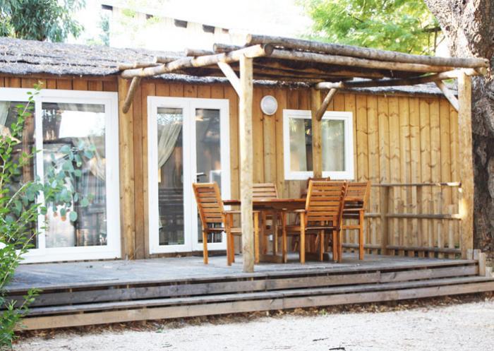 Le camping La Treille****, ouvert de Pâques à mi-octobre, Tél : 04 94 64 31 81