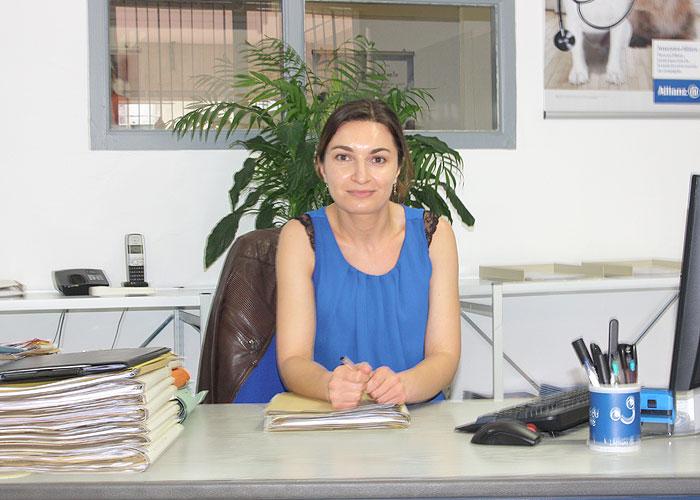 Nathalie notre experte Allianz à Cavalaire, vous accueille et vous conseille